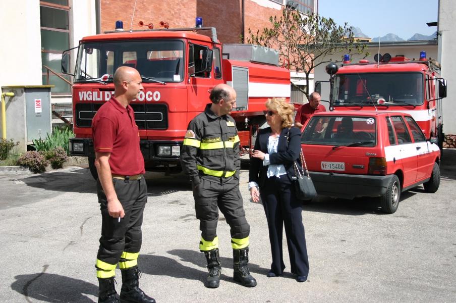 Oggi il prefetto di Belluno, Maria Laura SIMONETTI, ha fatto visita al Comando provinciale dei  Vigili del fuoco di Belluno.