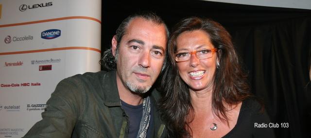 Aspettando i nostri primi 40 anni ! 2007: selfie con Luca Carboni e Barbara Paolazzi.