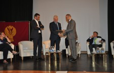 Il Vice Capo della Polizia, Prefetto Fulvio Della Rocca a Longarone.