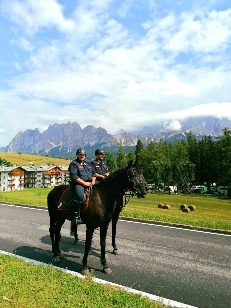 """Estate in montagna: cè anche il servizio """"ippomontato"""" dei Carabinieri Forestali"""